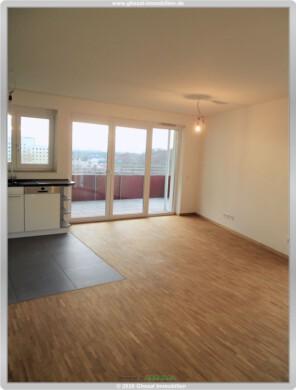 Sie suchen? Wir haben!  3 Zi-Whg. mit EBK,Balkon, TG-Stellplatz ab Sofort, 60486 Frankfurt, Etagenwohnung