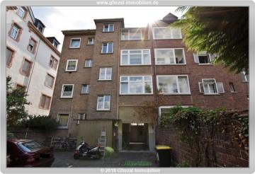 Solide Kapitalanlage mit enormen Steigerungspotential!!!, 65929 Frankfurt, Einfamilienhaus