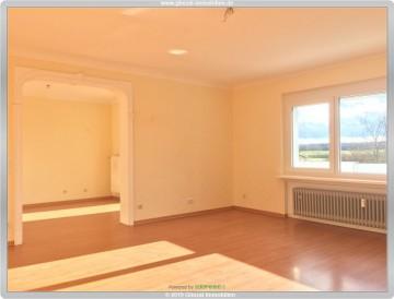 Sonnige 4 Zimmer Eigentumswohnung in gefragter Lage von Dietzenbach, 63128 Dietzenbach, Etagenwohnung