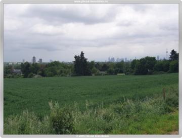 Stadtnah mit viel Natur in direkter Umgebung  Verwirklichen Sie hier Ihren persönlichen Wohn(T)raum, 60437 Frankfurt, Reihenmittelhaus
