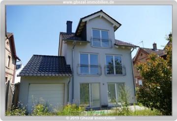 Freistehendes Einfamilienhaus im zentralen Ortskern von Maintal Bischofsheim, 63477 Maintal, Einfamilienhaus